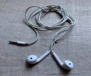 Are Apple Headphones Waterproof